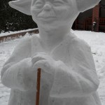 sneeuwsculptuur yoda