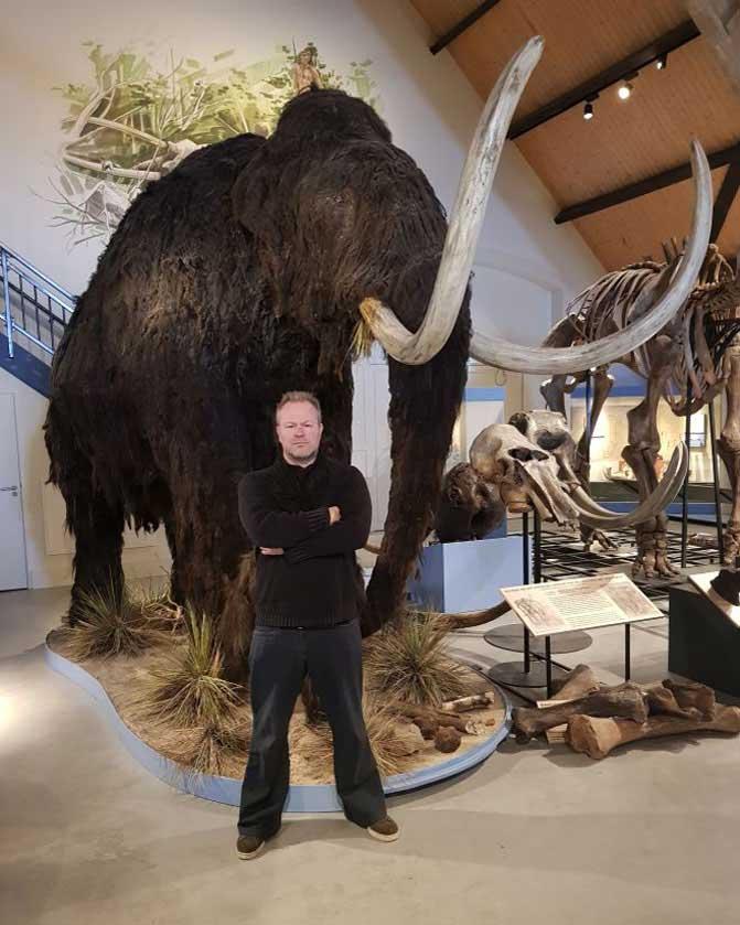 Wolharige mammoet reconstructie voor musea, dierenparken en bezoekerscentrums. Gebruikt voor scholing door bekende bioloog Freek Vonk